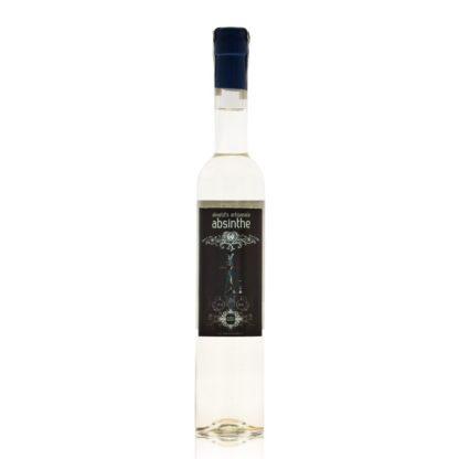 Akveld Blanche je čirý absinthe vyráběný dle původní Helfrichovy receptury a kromě klasických bylin jsou macerovány např. andělika, máta a koriandr.