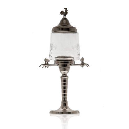 Kovová absintová fontána vytvořená jako replika z přelomu 18. a 19. století. Poniklovaná mosaz kvalitní německé výroby s odolným skleněným rezervoárem.