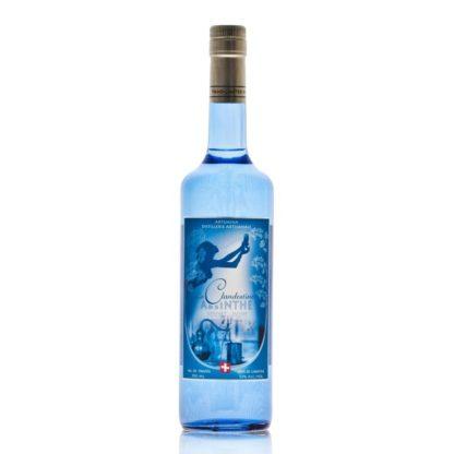 """La Clandestine v překladu zakázaný, je švýcarský čirý absinthe, přezdívající se """"La Bleue"""", tedy modrá, destilovaný v údolí Val-de-Travers."""