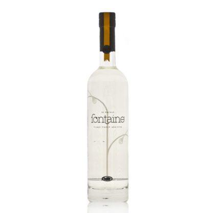 La Maison Fontaine blanche je prémiový francouzský čirý absinthe, který má osvěžující sladký nádech skýtající náznak citrónu a máty.