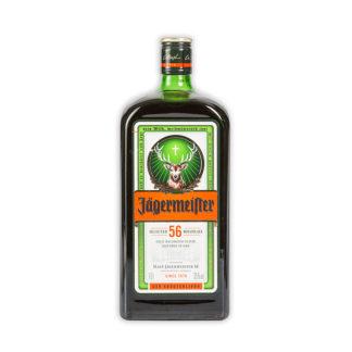 Jägermeister je proslulý německý likér složený z padesáti šesti bylin, jehož tajnou kombinaci si vychutnáte nejlépe ledově namraženou.