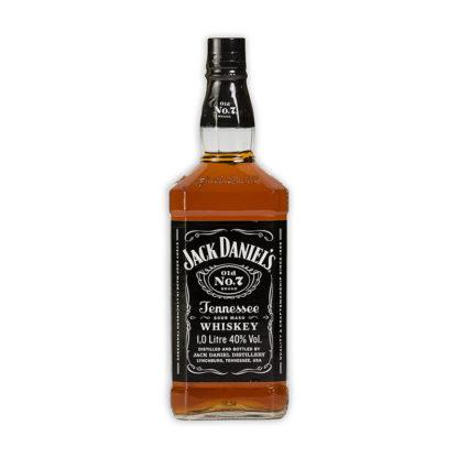 Jack Daniel's Tennessee Whiskey se vyrábí v městečku Lynchburg v americkém státě Tennessee. Základ se skládá z vody, kukuřice, žita a ječmenného sladu.